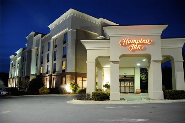 hampton_inn_front_royal_facade-590x392